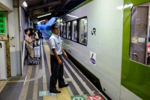 A single carriage car on the Kamaishi Line