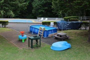 In summer, for smaller children who may not want to use the large pool, there is a smaller pool and water play area.