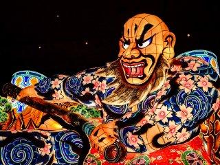 Lampion Nebuta dibuat berdasarkan tokoh di Kabuka, sejarah Jepang, mitologi Jepang, mitologi Tiongkok atau berita terbaru