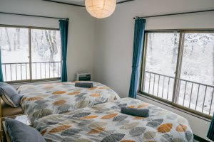 Corner Twin Room