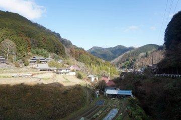 The village of Nagaretani
