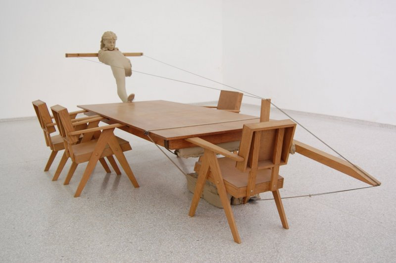 An example of a sculpture created by Mark Manders