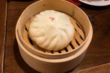Goku set. A hot steamed bun