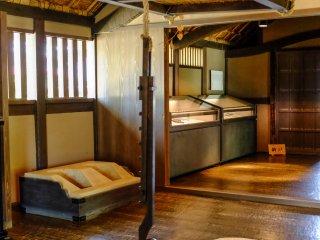 L'intérieur de la maison est immaculé et donne un aperçu aux visiteurs du quotidien des samouraïs