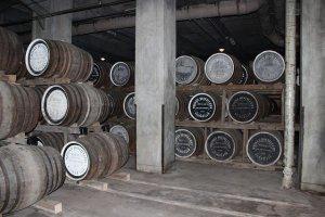ウィスキー樽貯蔵室