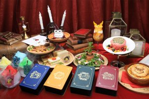 There are a wide variety of eats on offer, including bento boxes in each of the four Hogwarts houses