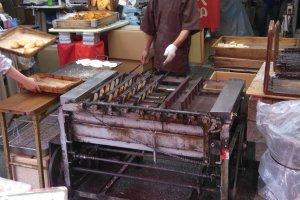 Ye Olde cracker maker