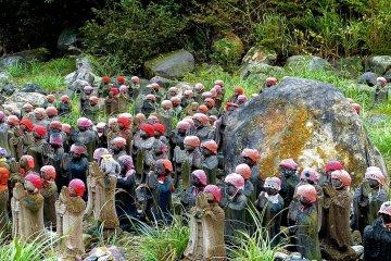 1000 Jizo Statues near the Sessho-seki Rock