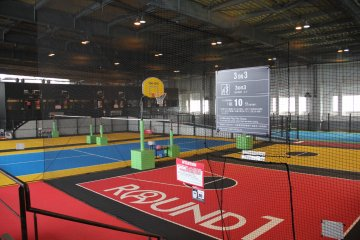 <p>The seventh floor is an adult sporting paradise that features football (soccer) baskerball, tennis, and golf</p>