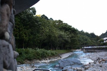วิวพานอราม่าของแม่น้ำชิมะจากคาวาระ โนะ ยู