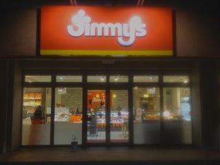 Tìm biển hiệu Jimmy với hai màu trắng và cam đặc biệt tại 22 địa điểm quanh đảo
