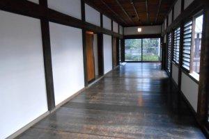 Hành lang tuyệt đẹp bên trong tòa thành
