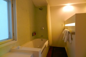 The generously sized bath in the terrace room.