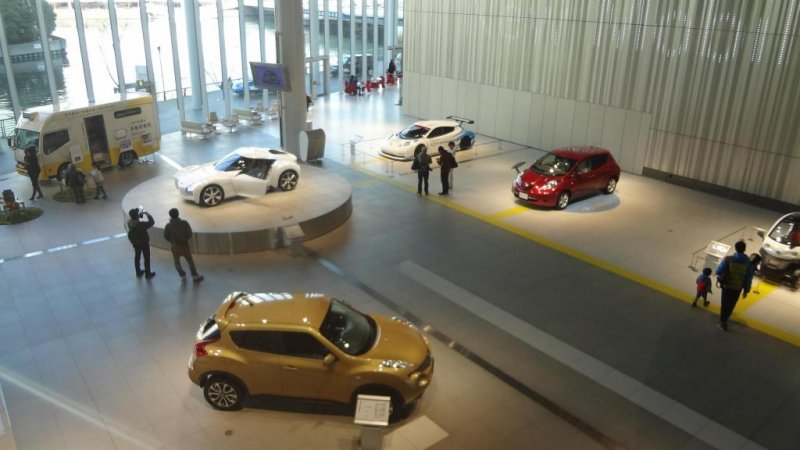 If you missed the chance to hangout at the 2011 Tokyo Motor Show, going to the Nissan Gallery is your second best option!
