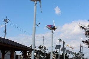 敷地内の街灯はこの風力発電でまかなっている