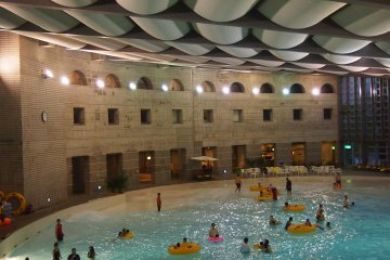 Ilmare Jacuzzi and Pool. The main pool transforms into a wave pool at hourly intervals.
