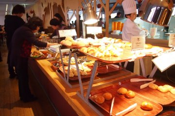 The YY Grill resturant that serves breakfast every morning to RISONARE Yatsugatake's guests.