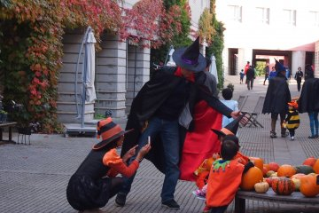 Everyone celebrates Halloween night or day at RISONARE Yatsugatake!