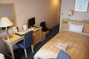 As I was traveling alone, I got the single standard room. It was compact, but functional with a luxurious touch.