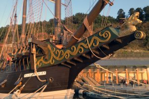 A front detail of the beautiful as well as practical ship that voyaged to Mexico.