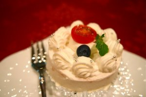 Sicilian Rouge Shortcake: An interesting use of tomato in a dessert, in combination with sweet sponge cake and fresh cream.