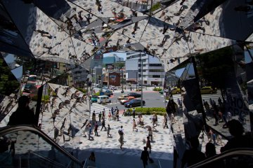 <p>The new Tokyu Plaza, right on the corner of Omotesando and Meiji-dori, opened in April 2012. Apart from its incredible entrance covered with mirrors, don&#39;t miss the garden on the top floor, as it&#39;s at least as incredible as is the entrance.</p>