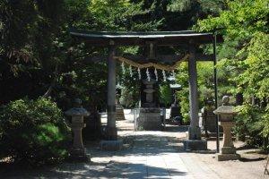 The gate leading to the main shrine precinct