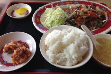 <p>Most items come in sets that more often than not include rice, radish, salad, soup and chicken karrage</p>