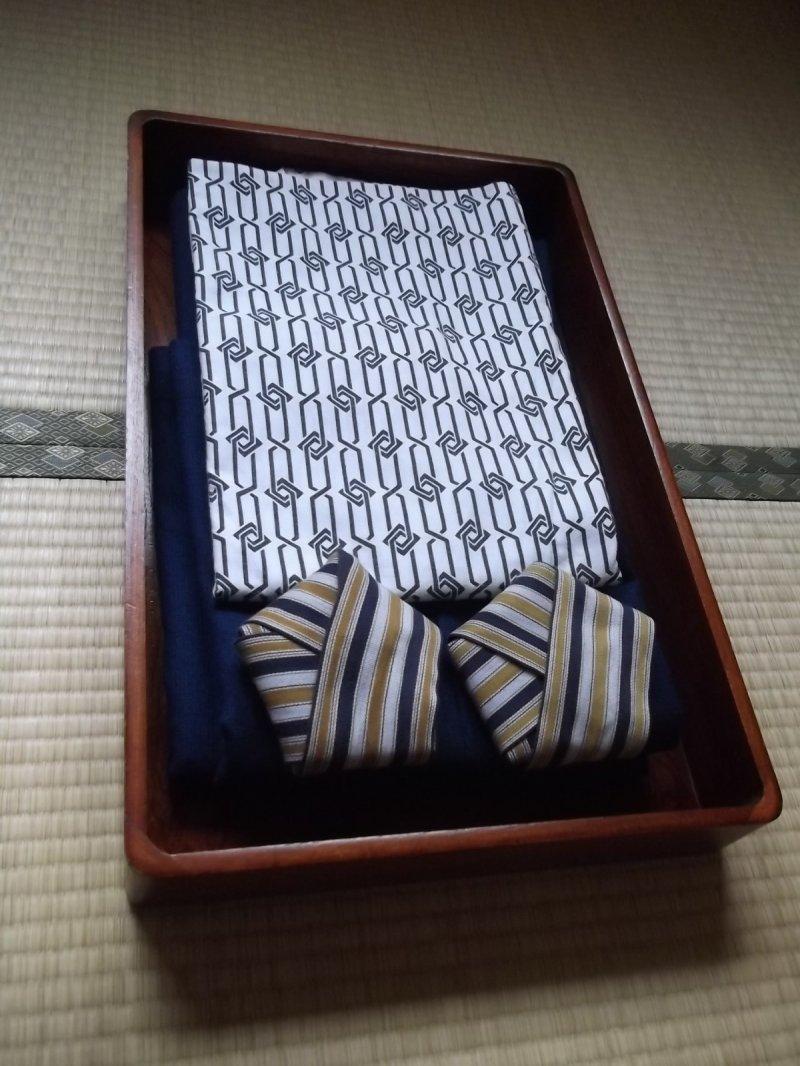 ยูกาตะ (ผ้าคลุมแบบญี่ปุ่น) ที่เตรียมให้หลังอาบน้ำเสร็จ
