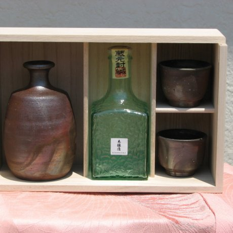 Bizenyaki và rượu Sake Nhật