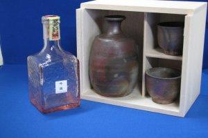 Bizenyake and Sake Set