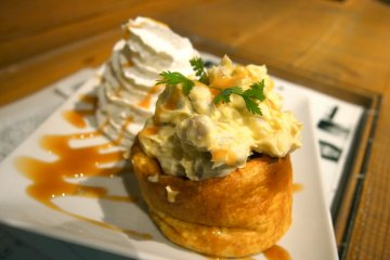 <p>Their large&nbsp;souffle cakes are great for sharing!</p>