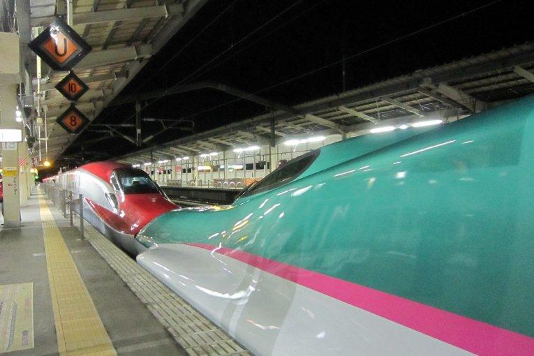 JR東北新幹線E5系、最高級車両「グランクラス」