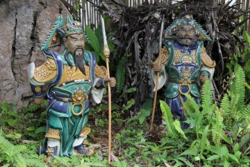 <p>Garden gnomes of Japanese persuasion</p>
