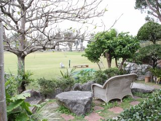 My favorite spot in the garden overlooked the first tee of the nine holeHabu Links golf course