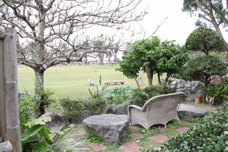 <p>My favorite spot in the garden overlooked the first tee of the nine hole&nbsp;Habu Links golf course</p>