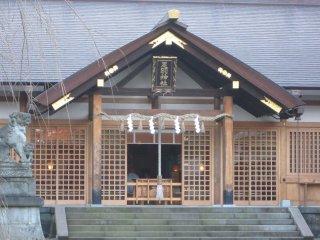 Храм Асува вблизи