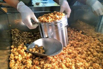 <p>One of the sensational&nbsp;signature flavors available at Garrett Popcorn Shops:&nbsp;CaramelCrisp</p>