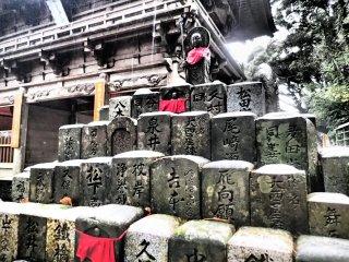 Jizo Bosatsu figure
