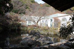 山荘の中庭