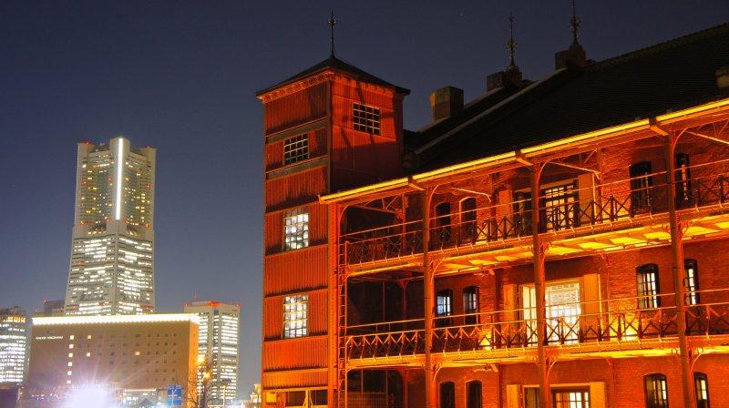 아카렌가 소코 또는 요코하마 붉은 벽돌 건물