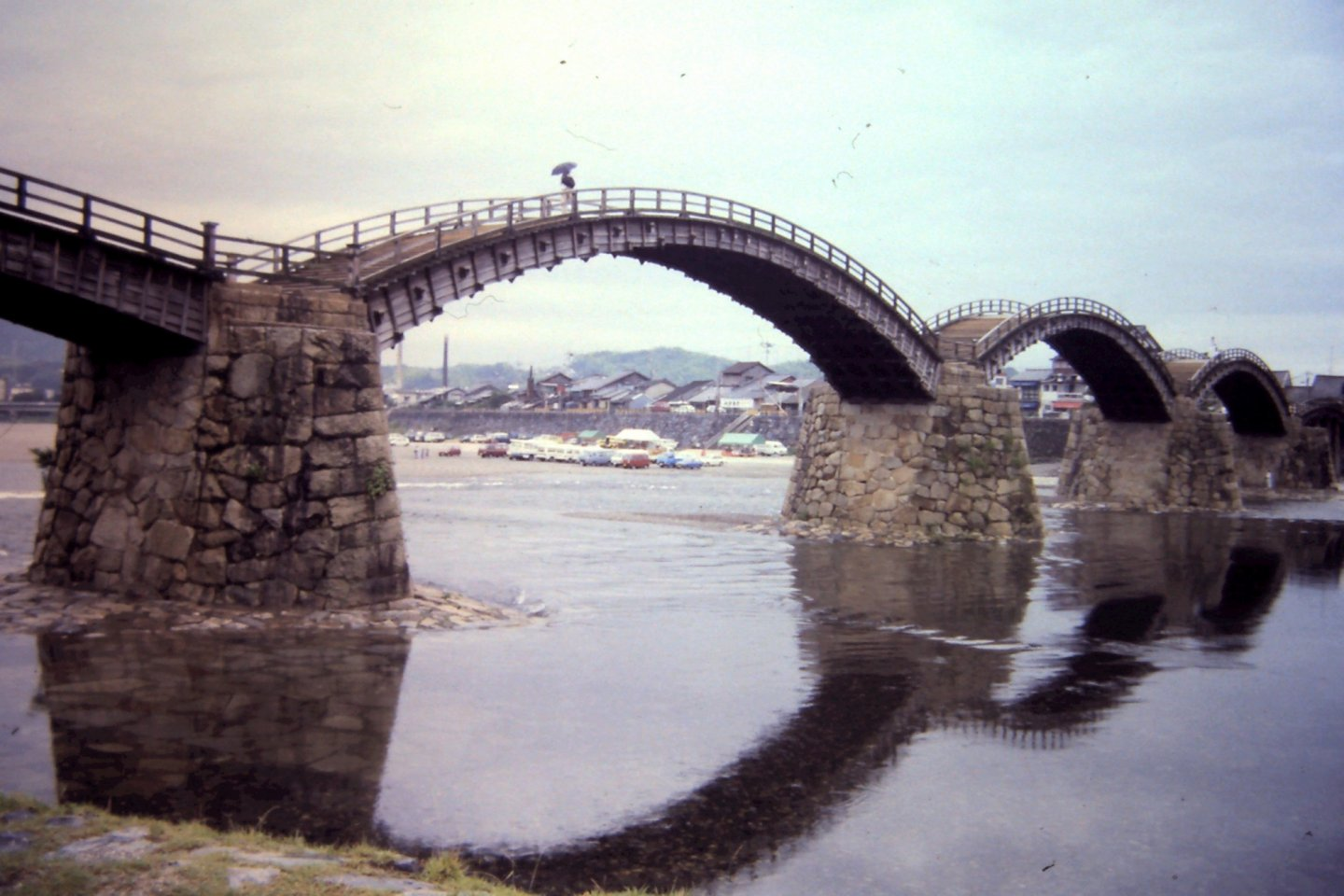 Kintai Bridge is a five-span arch bridge.