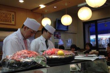 Sushi Zanmai ตลาดปลาสึกิจิ