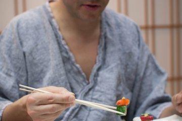 <p>Delicious soba sushi</p>