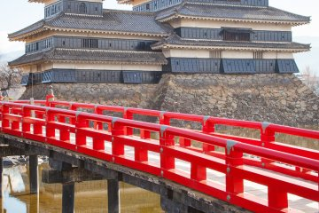 <p>The bridge was closed for rennovation the day we visited, but normally you are able to cross it.</p>