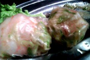 Prawn and cabbage rice paper dumplings
