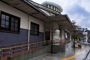 Arita station's impressive architecture