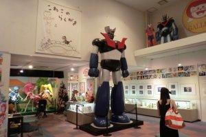 ห้องโถงหลักจัดนิทรรศการ มี หุ่นจำลอง Mazinger Z ขนาดใหญ่