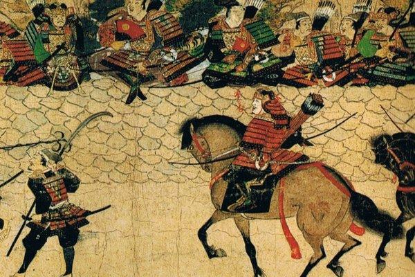 ภาพวาดการรบที่ชายฝั่งอ่าวฮากาตะ กองทัพมองโกลมีทั้งทหารม้า ทหารราบเดินเท้า กำลังเข้าโจมตีกองทัพญี่ปุ่น ซามูไรป้องกันดินแดนอยู่บนกำแพงหิน
