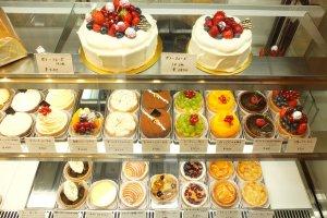 เค้กและทาร์ตชนิดต่างๆ